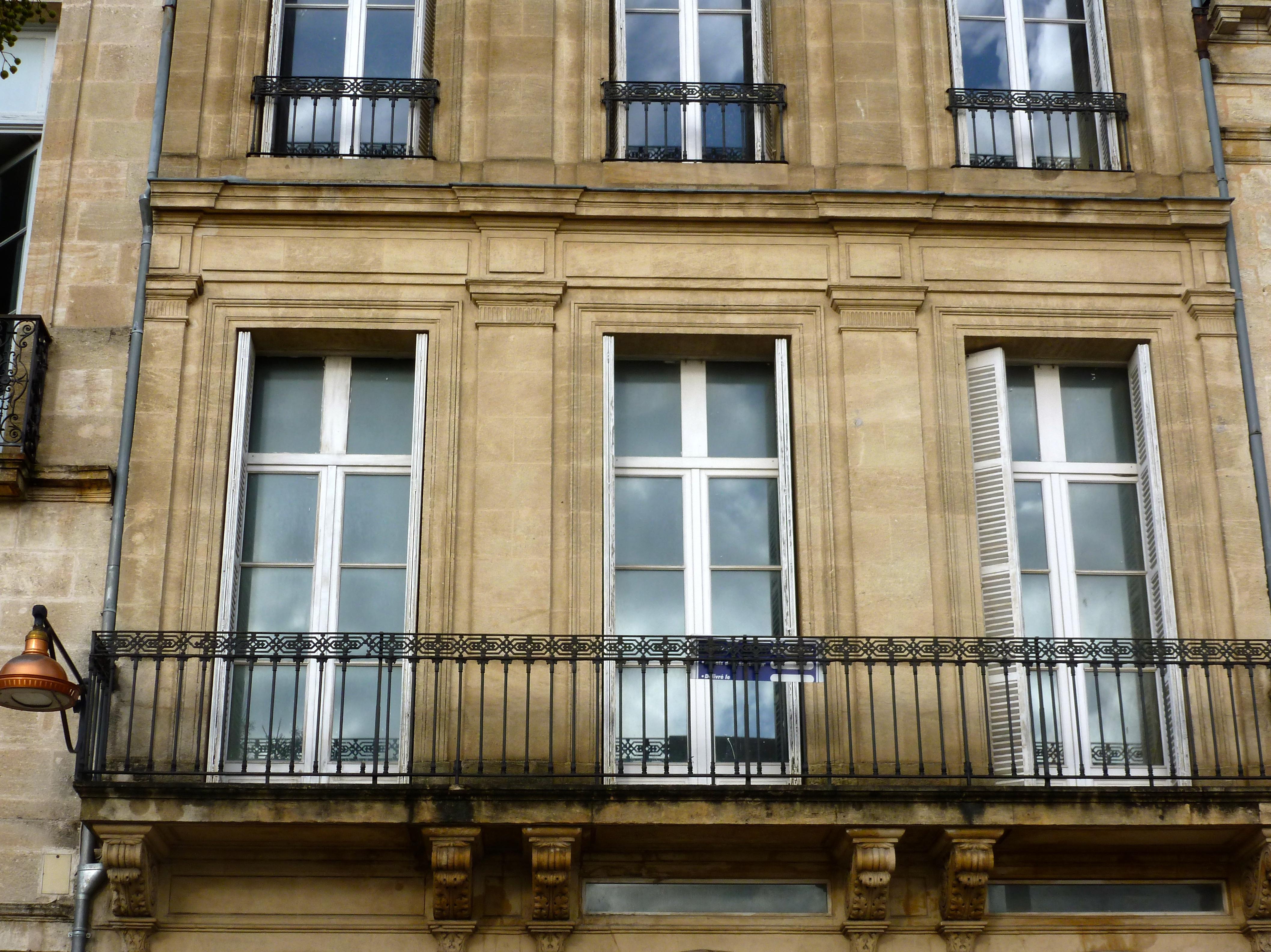 Bordeaux aquitaine immobilier bordeaux quai des for Appartement bordeaux quai des marques